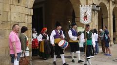 Trasgu (Jusotil_1943) Tags: 250617 gaita tambor asturianos escenas urbanas