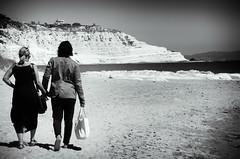 Portami via (encantadissima) Tags: coppia people scaladeiturchi lidorossello realmonte agrigento spiaggia rocce bienne mare
