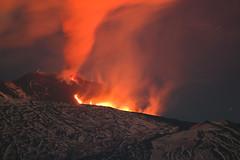 2017 Eruzione Etna 13_04_2017 MG_5548 with Sigma 70-300 f4-5.6 APO DG zoom lens + 600D (rocco parisi) Tags: etna eruzione biancavilla sicilia sicily italy italia lava 600d t3i canon dslr vulcano volcano crateri craters eos600d eruption roccoparisi sigmazoom70300mmf456apodg