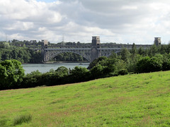 Britannia Bridge, Anglesey 2017 (Dave_Johnson) Tags: menaistrait menaibridge menai ynysmon anglesey wales britanniabridge britannia bridge robertstephenson stephenson tubularbridge roadbridge railbridge