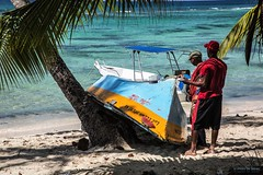 Work in paradise (Silver_63) Tags: caraibi santo domingo dominicana ship barca mare oceano sea