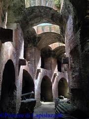 Sotterranei dell'anfiteatro di Pozzuoli. (annalaurauccella) Tags: anfiteatro pozzuli gladiatori