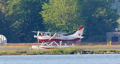 1980 CESSNA-206 (jmaxtours) Tags: cessna 1980 cessna206 prop propplane pontoon toronto torontoharbour billybishoptorontoislandairport airport billybishopairport