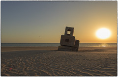 Búnker Playa de Camposoto (juangaran) Tags: playa beach atardecer san fernando cadiz andalucia españa bunker