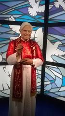 Papst Benedikt Mai 2017 (schremser) Tags: österreich wien prater madammetussauds mdmtussauds papst benedikt papstbenedikt papstbenedikt16 papstbenediktder16 wachsfigur wachsfigurenkabinet