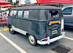 VW Transporter (Dave* Seven One) Tags: vw volkswagen transporter type2 dailydriver classic vintage rusty rot primer dents dings scratches cool fun enjoyment dq dairyqueen parkinglot splitty splitwindow 63 1963 1960s vwbus bus