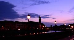 Toscana bohemia (chemakayser) Tags: italia italy pisa arno atardecer noche sunset river rio