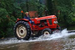 IMG_0429 (Yorkshire Pics) Tags: 1006 10062017 10thjune 10thjune2017 newbyhalltractorfestival ripon marchofthetractors marchofthetractors2017 ford fordcrossing river rivercrossing tractor tractors farmingequipment farmmachinery agriculture yorkshire northyorkshire