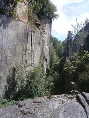 Travessac (jacobine2010) Tags: ardoise pente travessac canyon