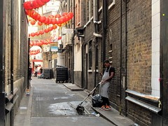 Chinatown chill out (S Clark) Tags: chinatown soho london londonstreet streetlife streetphotography street londonist londoncity sohostories canonpowershotg12 canon backstreet alleyway breaktime streetstories trainers chinese