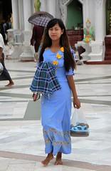 Shwedagon Pagode (Verte Ruelle) Tags: shwedagonpagoda shwedagon yangon girls girl asia rangoon burma birma hot sexy cute myanmar streetphotography voyeur voyeurism streetphoto people city women woman beautiful sweet beauty lovely funny wife wives street citylife gorgeous legs dress happy