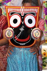 Snana Yatra 2017 - ISKCON-London Radha-Krishna Temple, Soho Street - 04/06/2017 - IMG_2931 (DavidC Photography 2) Tags: 10 soho street london w1d 3dl iskconlondon radhakrishna radha krishna temple hare harekrishna krsna mandir england uk iskcon internationalsocietyforkrishnaconsciousness international society for consciousness snana yatra abhishek bathe deity deities srisri sri lord jagannath baladeva subhadra 4 4th june summer 2017