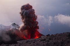 Stromboli (Luis Alvarez Menéndez) Tags: volcan stromboli italia erupcion lava landscape naturaleza