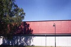 Off Season (Magnus Bergström) Tags: diaxia diax ia analog fujicolorsuperia100 fuji superia superia100 100 värmland sweden sverige forshaga color sun wall shadow tree school lärcenter gym
