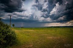 Orage dans le Cantal (loicmazetlm) Tags: orage storm lightning foudre mauriac cantal correze météo weather rain pluie landscape nature paysage champ nuage cloud nikon d90 samyang 14mm france