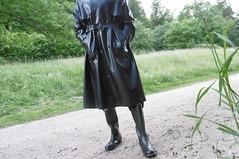 Regenmantel in Latex (lulax40) Tags: hunter gummistiefel latex gummikleidung mackintohs