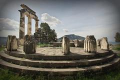 Temple of Athena Pronaia (Delphi, Greece) (armxesde) Tags: pentax k3 ricoh griechenland greece delphi ruins ruinen tempel temple säule column parnassos athenapronaia tholos