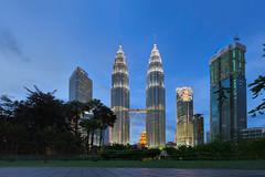 (espinozr) Tags: thepetronastowers petronastwintowers kualalumpur kl bluehour malaysia hdr asia southeastasia digitalblending skyscraper 2017 building architecture
