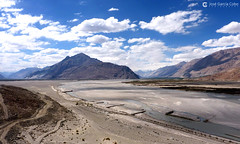 12-07-01 India-Ladakh (184) Valle Nubra R01 (Nikobo3) Tags: asia india ladakd jammu kashmir kachemira karakorum himalayas panasonic panasonictz7 tz7 nikobo joségarcíacobo flickrtravelaward ngc paisajes viajes travel valledenubra
