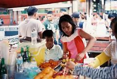 (Jose Mari Manio) Tags: philippines recto manila minolta srt film fujicolor superia street filipino rokkor analog