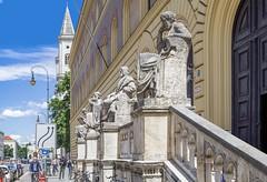 Bayerische Staatsbibliothek (epemsl) Tags: bayerischestaatsbibliothek münchen ludwigsstrasse hippokrates aristoteles homer thukydides