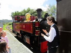 Russell, Welsh Highland Heritage Railway 2017 (Dave_Johnson) Tags: welshhighlandheritagerailway whhr welshhighland welshhighlandrailway heritagerailway narrowgauge narrowgaugerailway railway rail steamrailway greatlittletrainsofwales gwynedd porthmadog wales russell hunsletenginecompany hunslet whr penymount welshhighlandrailwayporthmadog steamengine steamtrain steamlocomotive locomotive engine steam