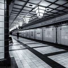 Street (katrin glaesmann) Tags: berlin tube station paracelsusbad architecture u8 bvg 1987 rainergrümmler platform monochrome blackandwhite people street streetphotography reinickendorf