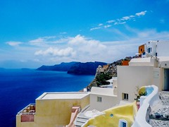 Crete (Navelsboy) Tags: crete white sun sommergefühle sky sea buildingexterior builtstructure architecture mountain house cloudsky town whitewashed water outdoors residentialbuilding day mountainrange nopeople scenics touristresort roof nature rockobject beautiful popularphotos