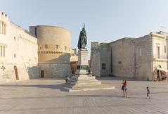 Otranto, piazza degli Eroi (Angelo M™) Tags: otranto salento puglia eroi piazza landscape paesaggio mare sea italia italy italian