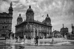 Queen Victoria Square Fountains (Photo-man50) Tags: hull fountains cityofculture bw summer uk