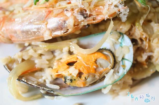 LIRA 嫩香戰斧豬排340元吃的到!鄉村風用餐環境也好浪漫可愛! 里拉義大利廚房 LIRA Italian Kitchen【台北餐廳】 @J&A的旅行