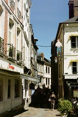 Normandy 2017 - Pro 400H 10 ([Katsumi]) Tags: nikonfe nikkor50mmf14 film filmisnotdead fujicolorpro400h france normandy travel travelphotography europe honfleur