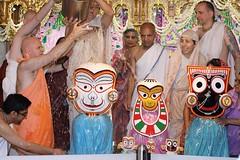 Snana Yatra 2017 - ISKCON-London Radha-Krishna Temple, Soho Street - 04/06/2017 - IMG_2967 (DavidC Photography 2) Tags: 10 soho street london w1d 3dl iskconlondon radhakrishna radha krishna temple hare harekrishna krsna mandir england uk iskcon internationalsocietyforkrishnaconsciousness international society for consciousness snana yatra abhishek bathe deity deities srisri sri lord jagannath baladeva subhadra 4 4th june summer 2017