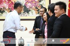 Penyerahan Dokumen Akhir Penubuhan Confucius Institute for Chinese Language Studies in UNIMAS kepada YB Datuk Sim dan Konsulat Jeneral China di Kuching.