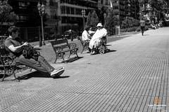 Street in Buenos Aires (Luiz Contreira) Tags: buenosaires rua fotografiaderua streetphotography street people pretoebranco pb pessoas argentina américadosul bsas southamerica brazilianphotographer blackwhite bw sun