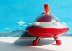 Happyland Early Learning Centre iPlay Ailen Space Ship UFO Flying Saucer With Sounds And Lights 2010 : Diorama Bonneville Salt Flats - 13 Of 17 (Kelvin64) Tags: happyland early learning centre iplay ailen space ship ufo flying saucer with sounds and lights 2010 diorama bonneville salt flats