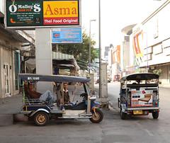 (Carol Mitchell) Tags: chiangmai streets streetscenes thailand