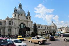L'viv train station (Timon91) Tags: lviv lvov lwow lwów львів львов ukraine ukraina ucraina ukrain oekraïne oekraine ukrzaliznitsia україна украина