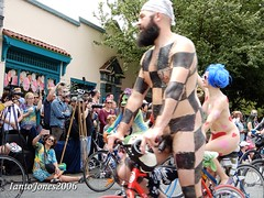 DSCN2144 (IantoJones2006) Tags: fremont solstice cyclists 2017 naked bike seattle parade nude painted body paint bicycle