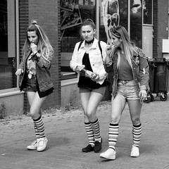 the winning team (digitris) Tags: street candid city persons people girls women canon g7xmarkii digitris digitri summer socks shorts trio trisome team