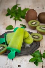 ghiaccioli al kiwi-8635 (oliveri.stefania) Tags: cardamomoco blogsenzaglutine ghiaccioli glutenfree kiwi light senzaglutine senzaglutinedolce senzazucchero sugarfree vegan vegetariano verde