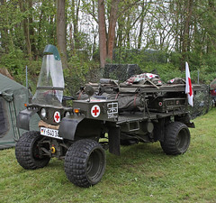 Kraka Field Ambulance (Schwanzus_Longus) Tags: hsm sehnde wehmingen old classic vintage vehicle military army bundeswehr red cross atv quad faun kraka field ambulance