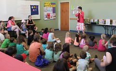 Do you love donuts? So do we! Children at the Georgetown branch enjoyed an especially sweet storytime featuring everyone's favorite food. (ACPL) Tags: fortwaynein acpl allencountypubliclibrary georgetown geo 2017 donuts storytime slp summer learning program children familyfunday