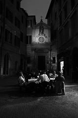 HÁBITOS NOCTURNOS (oskarRLS) Tags: hábitos habit night noche street calle bw roma