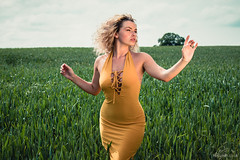Natalie (Roj) Tags: horizon canon5dmkiv landscape dress fashion wheatfield beauty originalphotographers canonef70200mmf28isiiusm tree sourcerojsmithtumblrcom nataliephillips sallehsparrowworkshop curvy yellow photographersontumblr freckles