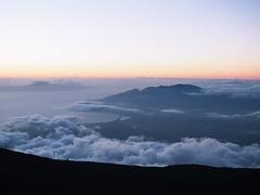 Haleakala sunset, Maui, Hawaii (dan tsai) Tags: hawaii sunset nature olympusomdem5 volcano em5 haleakala olympus landscape maui omd olympusmzuikodigitaled1240mmf28pro