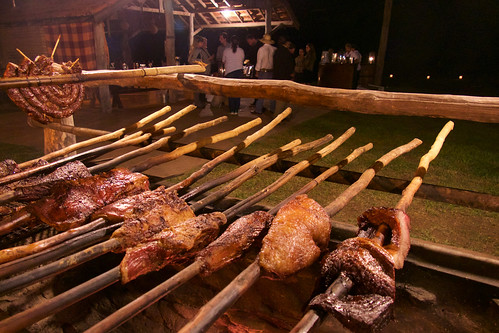 brazil-pantanal-caiman-lodge-traditional-barbecue-copyright-thomas-power-pura-aventura