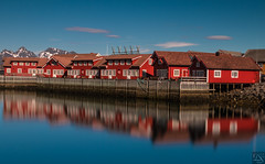Svolvaer - typical guest houses (schda22) Tags: norwegen norway norge meer sea guesthouse gästehaus holiday fun water house reflex longexposure dream weather