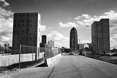 Pillars (mfhiatt) Tags: dscf12410617jpg 365the2017edition 3652017 day170365 19jun17 urban desmoines iowa skyline