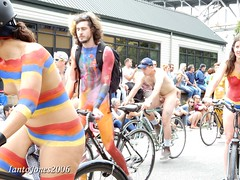 DSCN2184 (IantoJones2006) Tags: fremont solstice cyclists 2017 naked bike seattle parade nude painted body paint bicycle